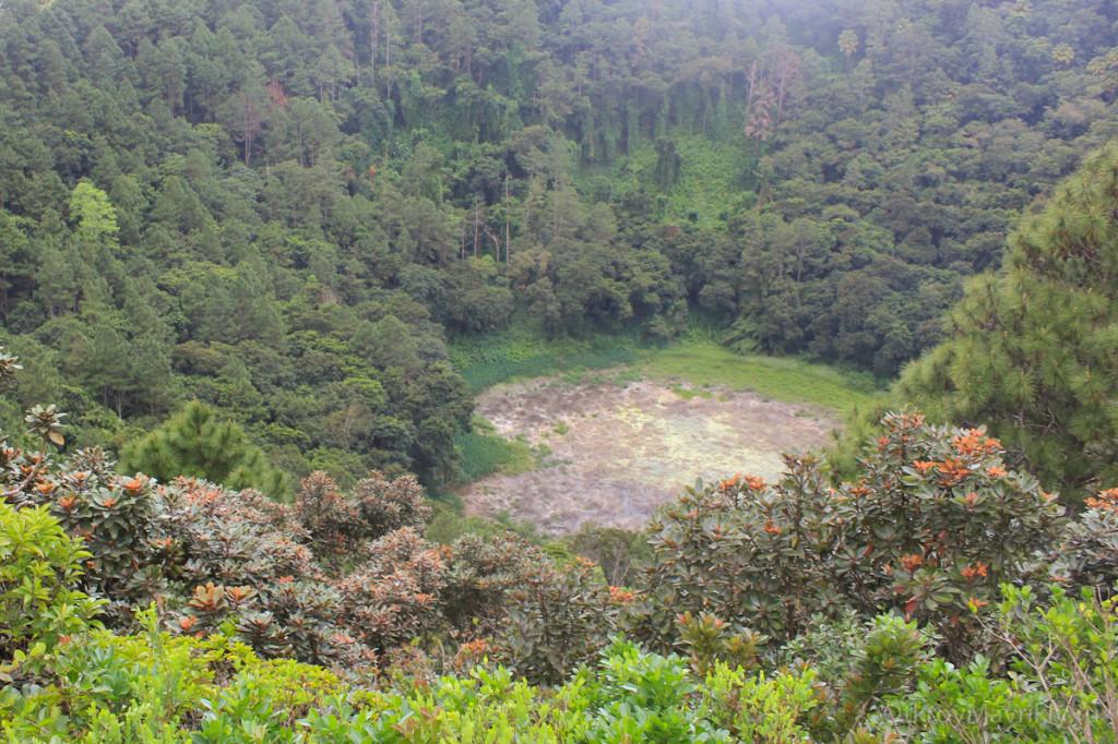 Потухший вулкан в Кюрипип, в который можно спуститься. маврикий экскурсии отзывы