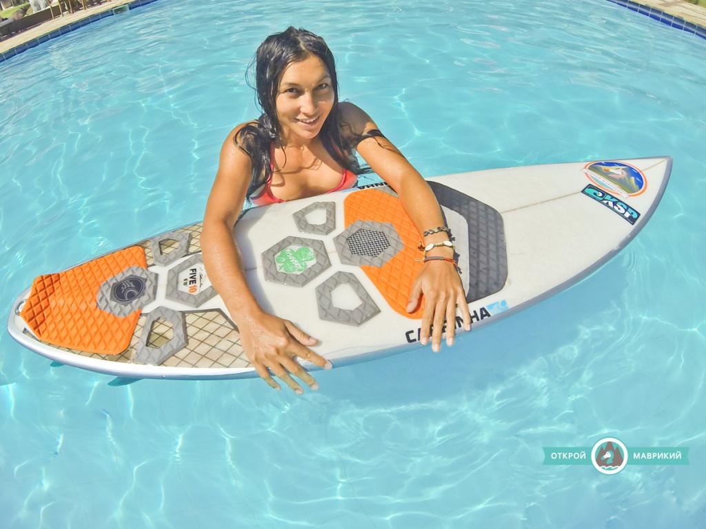 Серфинг в бассейне
