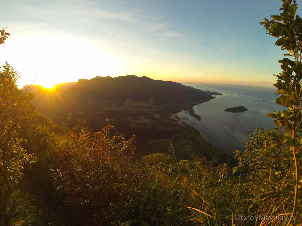 Рассвет на горе Ле Морн - Маврикий