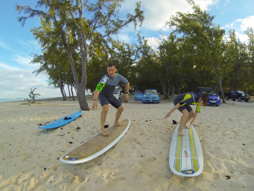 Уроки по серфинг на Маврикии.