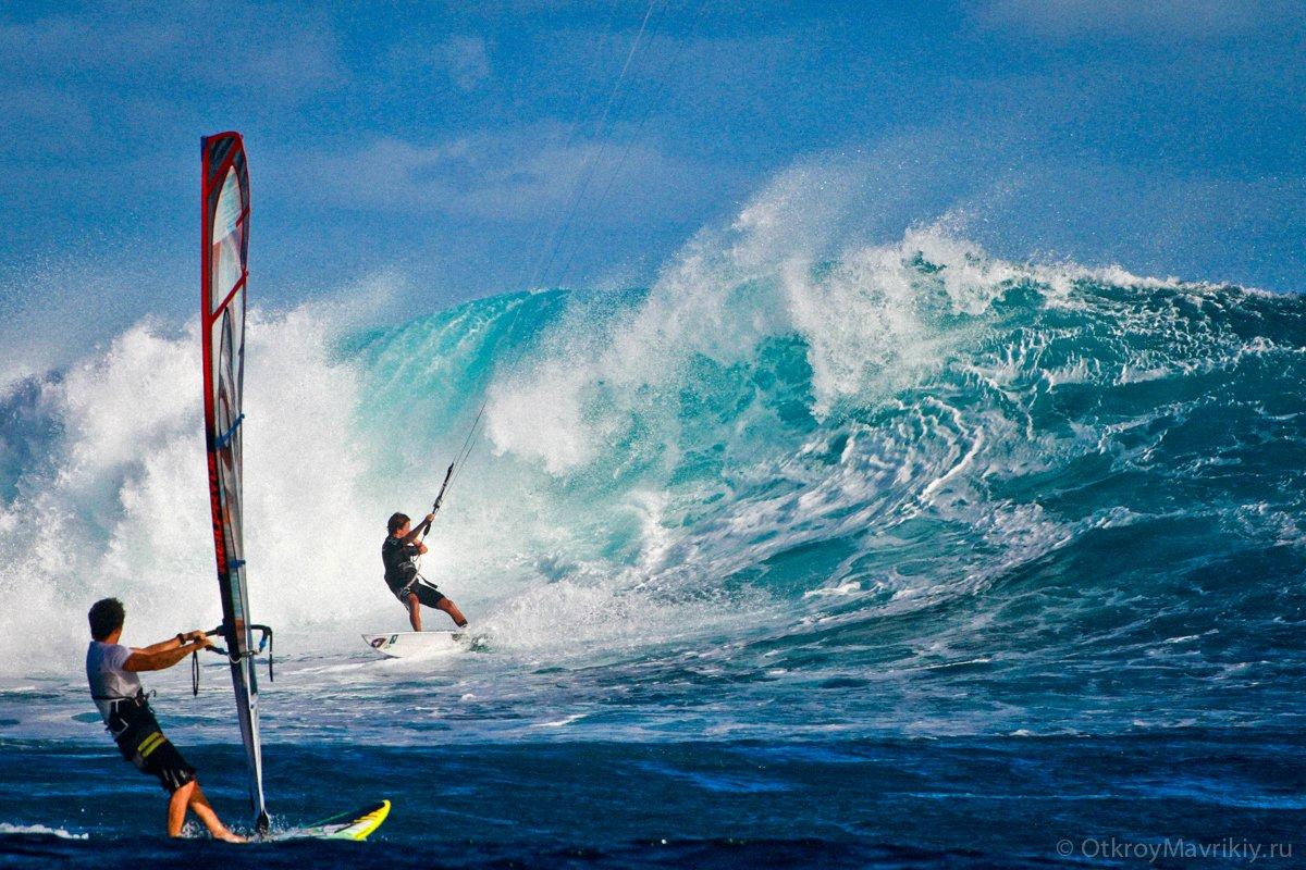 Бывают на Маврикии и серьезные волны