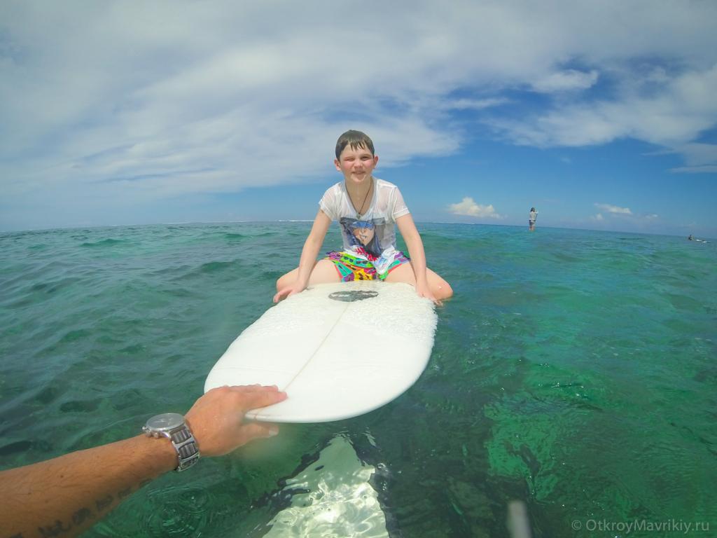 Детский серфинг на Маврикии