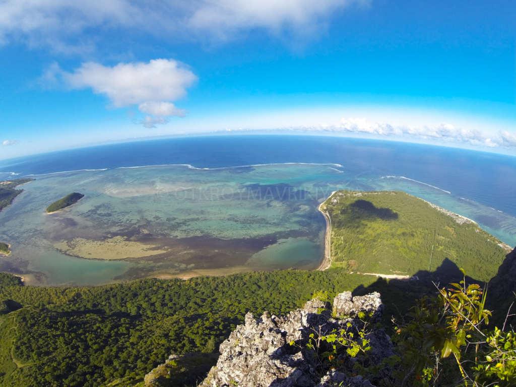 Вид с горы Леморне, Маврикий