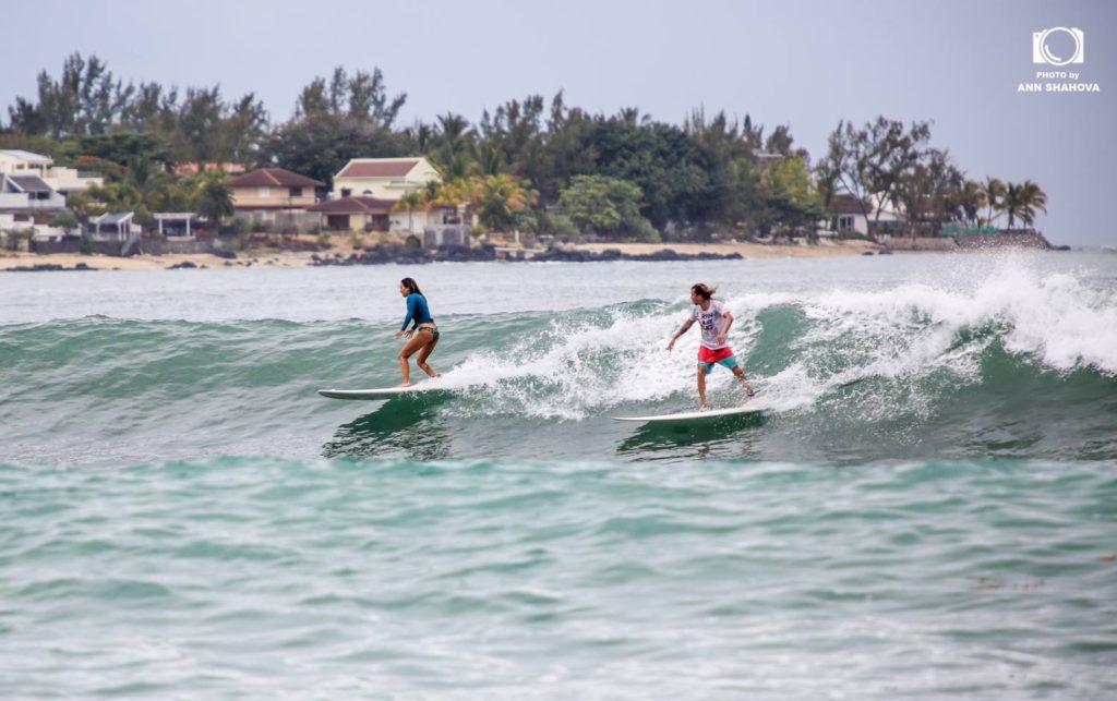 Серфинг на Маврикии. Тамарин Black Rocks. Сергей и Дина Мысовские. Фото Аня Шахова