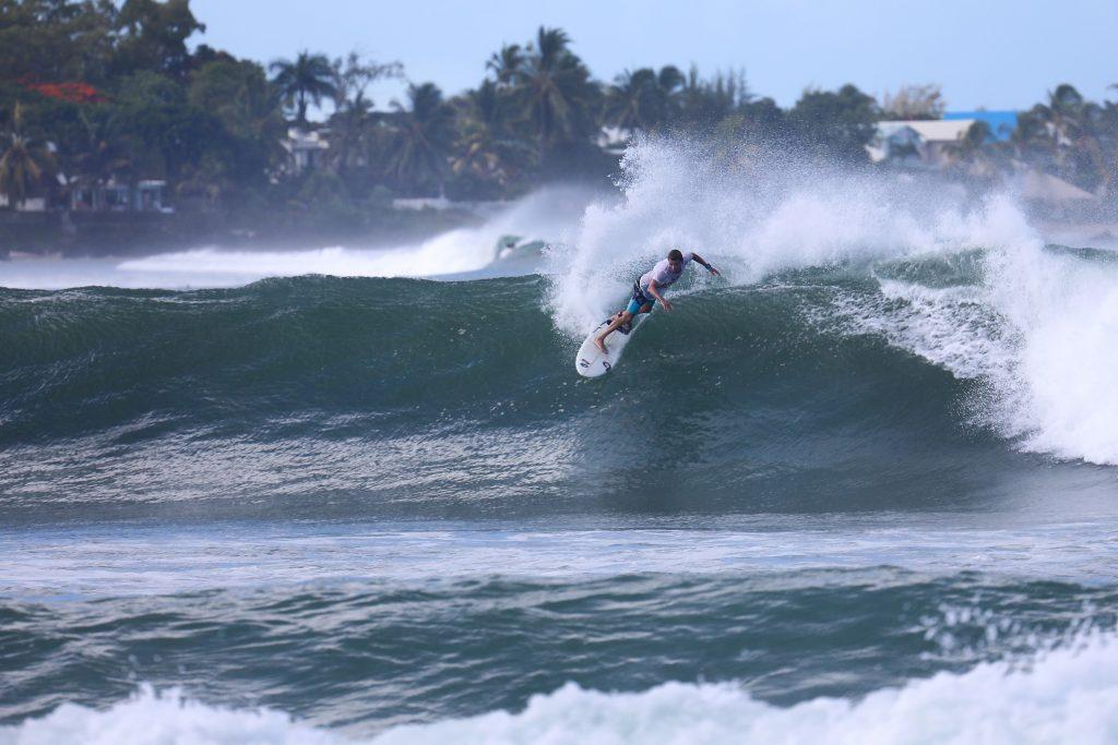 Видео с серфинг и кайт лагеря 19/20 на острове Маврикий с Сергеем Мысовским